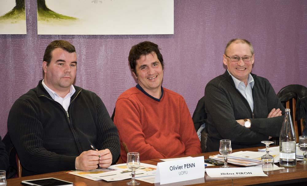 De gauche à droite: Olivier Penn, Jildaz Piron et Jean-Claude Ohran, lors de l'assemblée générale de l'Uopli, vendredi 15 mars à Josselin (56).