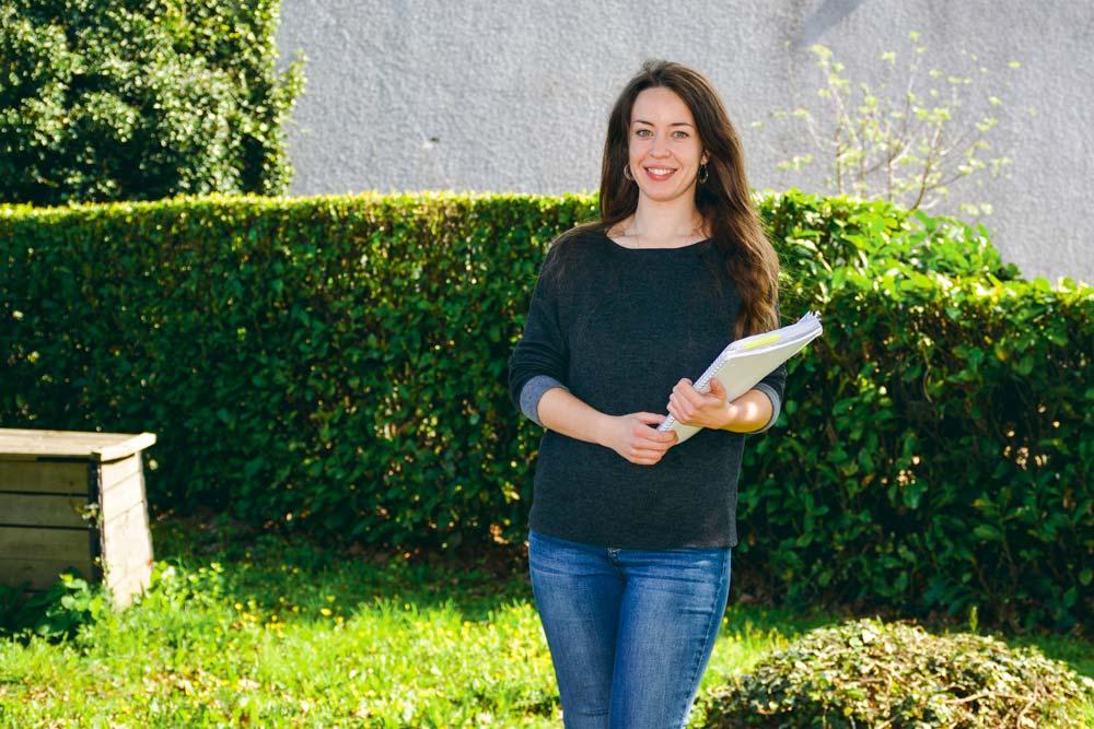 Lors de son stage, Juliette Granchère recueille les avis d'agriculteurs par rapport aux services environnementaux qu'ils peuvent rendre.