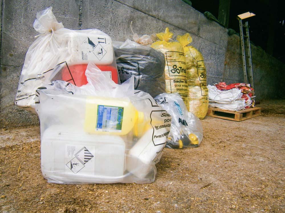 La collecte des bidons vides de produits phytosanitaires et de produits d'hygiène en élevage laitier est prévue à la fin du printemps et à l'automne.