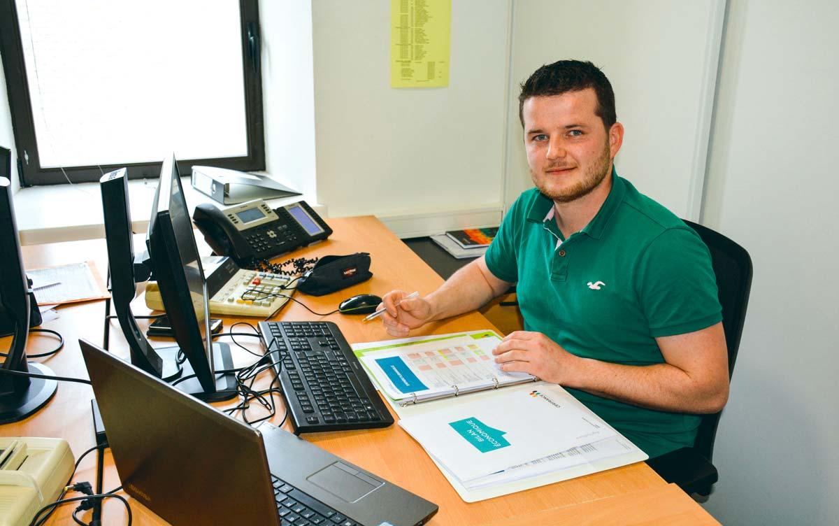 Florian Clolus est comptable à l'antenne de Plouaret (22) au Cerfrance Côtes d'Armor depuis l'obtention de sa licence professionnelle en 2014.