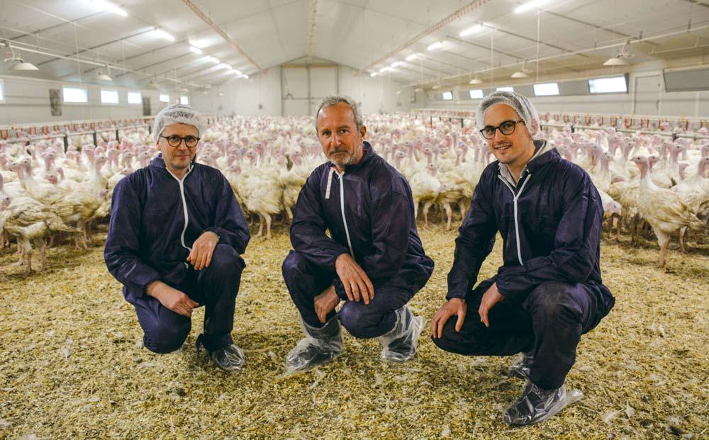 Guillaume Bouruet, responsable dinde de chair chez Nutréa ; Bruno Le Lan, éleveur de dinde ; Hervé De Reboul, stagiaire en CS avicole.