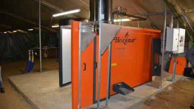 Photo of Une chaudière à biomasse chauffe le poulailler